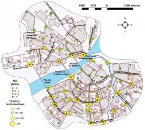 Figura 11: Nivel de NO y densidad de tráfico en los puntos muestrales. Mayo, junio y julio de 2011.