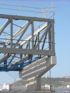 Montaje terminado de los tres módulos estructurales que definen la planta 2º
