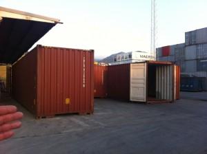 Fig. 4. Imágenes de los contenedores en transformación en la factoría de Algeciras