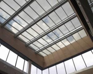 Figura 6. Lucernario fotovoltaico instalado en el mercado de San Antón, Madrid, España. Fuente: http://www.onyxsolar.com